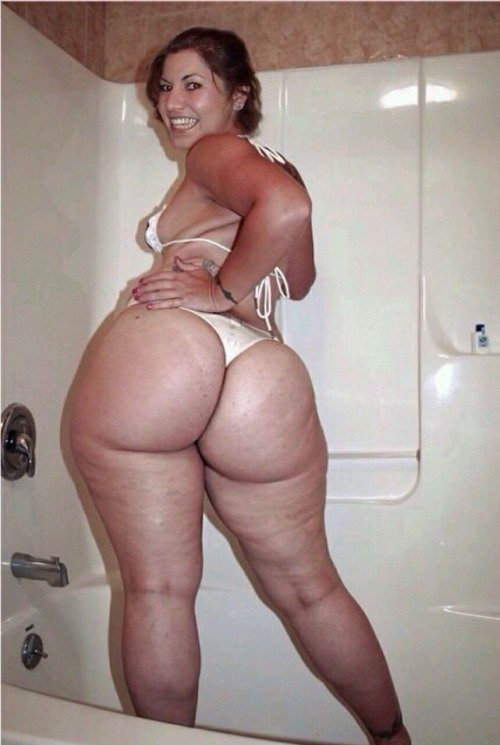 naked white bitches with big booties