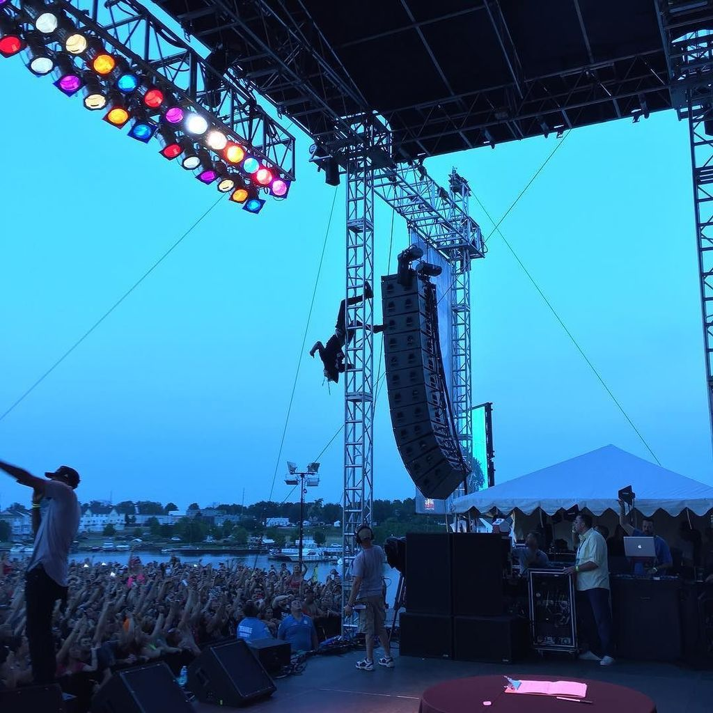 Anthony Snitzer On Twitter MGK Hanging From Stage Truss