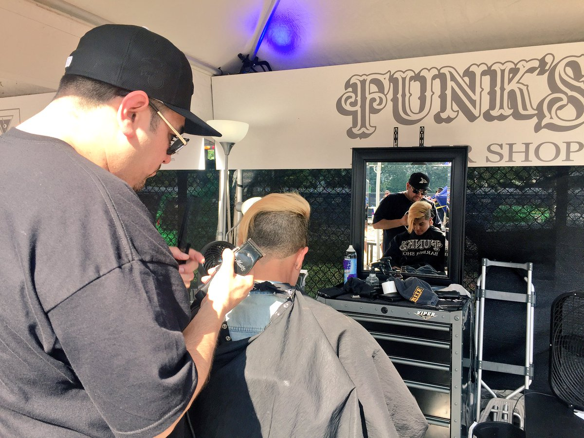 yes! thank u @funksbarbershop for cleaning me up at the @redbull beach at @lollapalooza 🙌🏽✂️