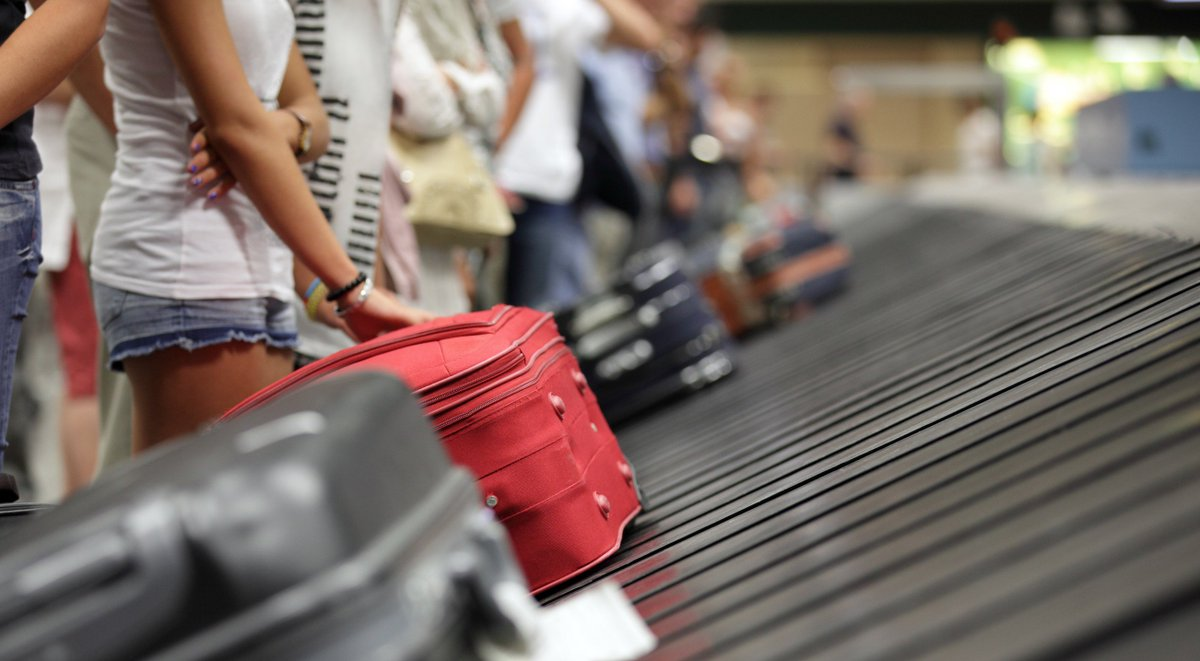 Airlines will soon be required to refund fees if your bags are delayed