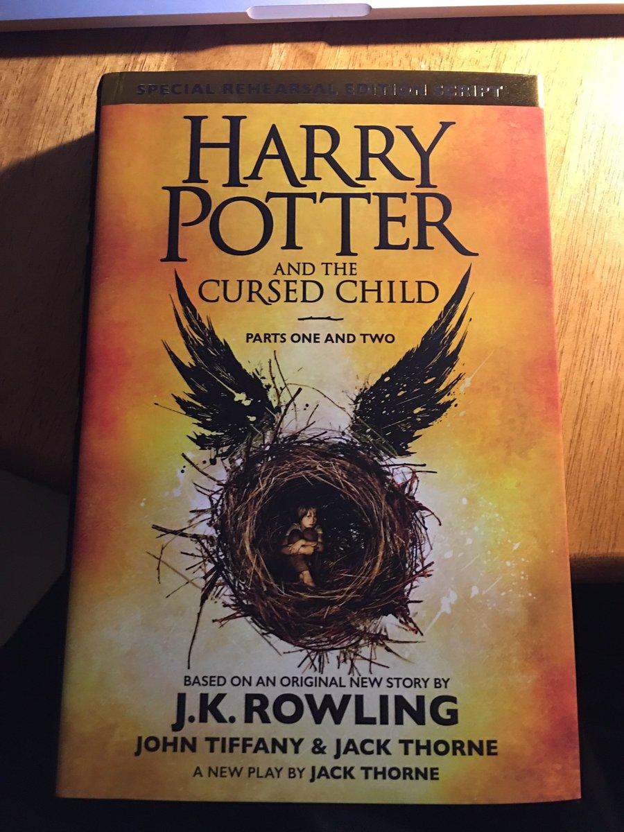 Новая книга Роулинг о Гарри Поттере вызвала ажиотаж в Лондоне - Цензор.НЕТ 6590