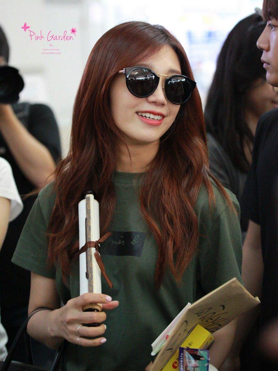 On Twitter 11 Kim Taeyeon Oppa Her Black Hair
