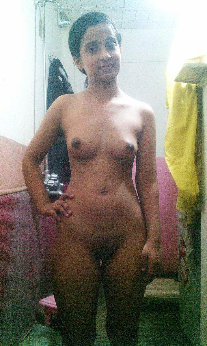 Nude Selfie 7536