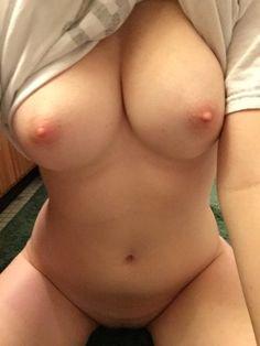 Nude Selfie 7540