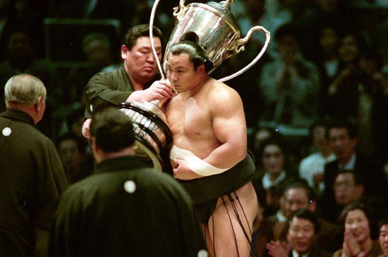 Former legendary yokozuna #Chiyonofuji, who won 31 titles in his career, died at 61 - https://t.co/PaXaiBY48x #sumo