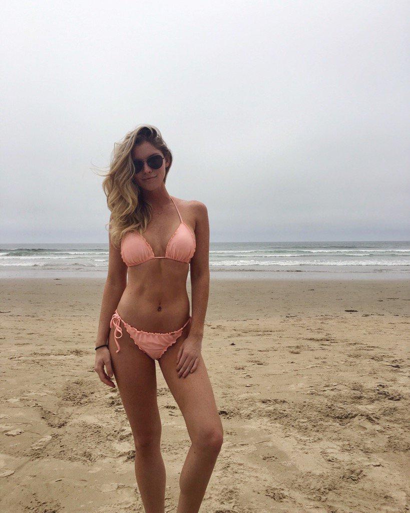 Carly Lauren  - beachin 🌊 twitter @MissCarlyLauren