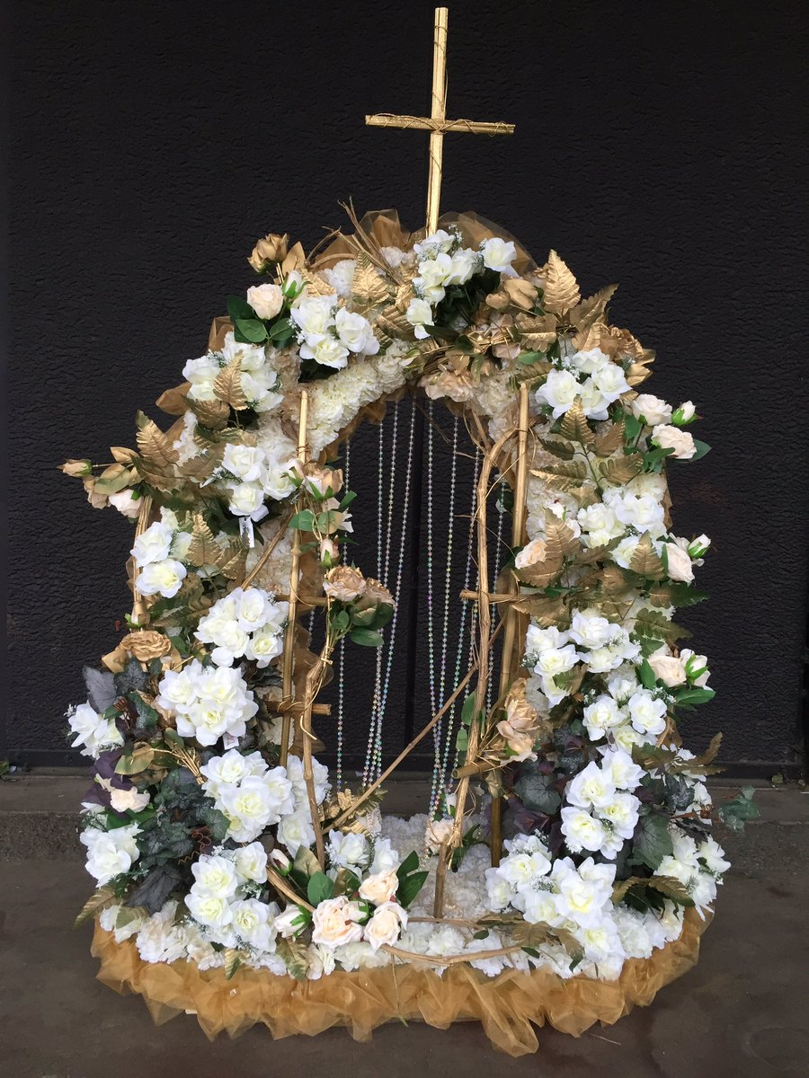 Stems uk funerals on twitter our wild gypsy gates of heaven in stems uk funerals on twitter our wild gypsy gates of heaven in gold and cream with climbing rose vines izmirmasajfo