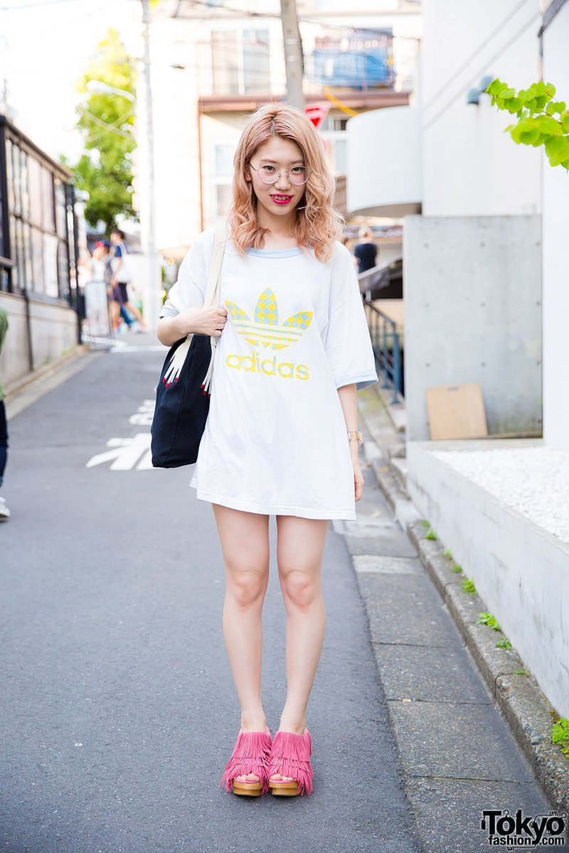 ada857bb5c4 19 yr old harajuku girl in summer style w adidas tee merry jenny bag amp  fringe