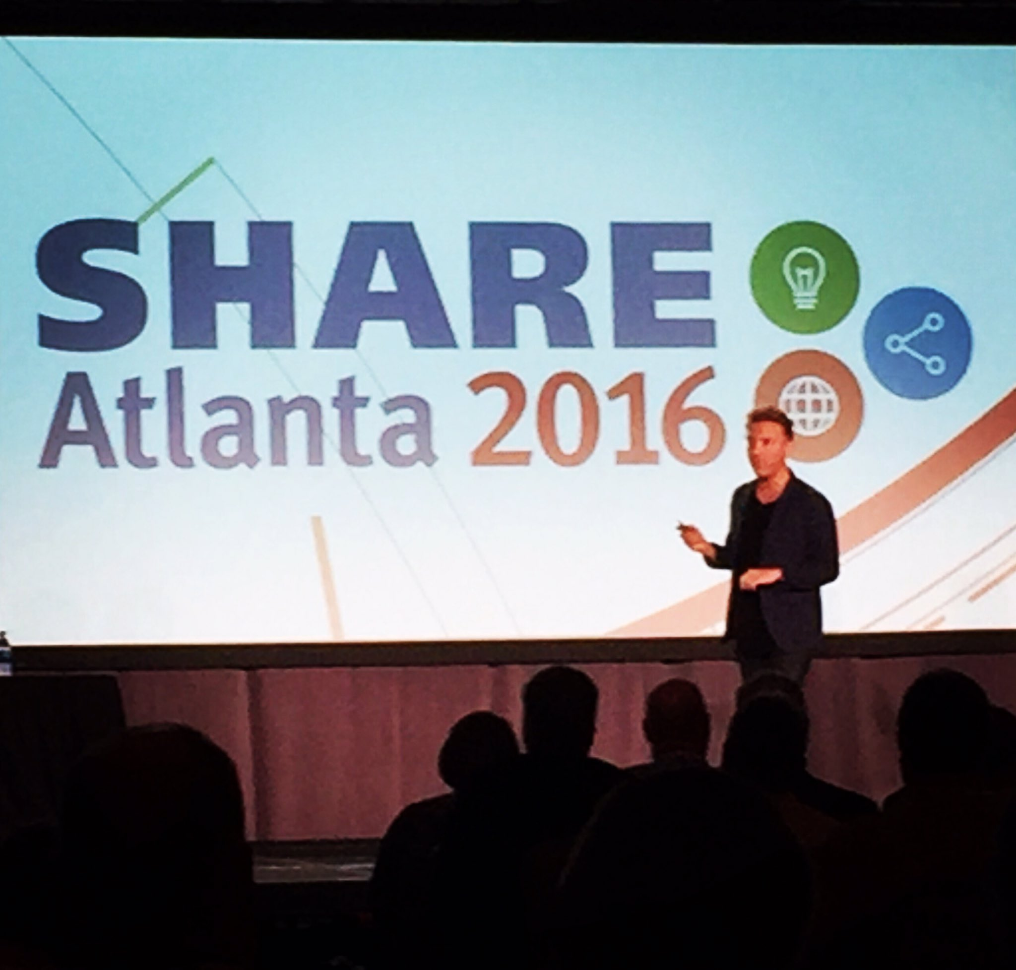 Inspiring #SHAREatl attendees w/ success stories of #SidewaysMoves ~ Shane Snow @contently #LateralThinking @SHAREhq https://t.co/EqNbufuL66