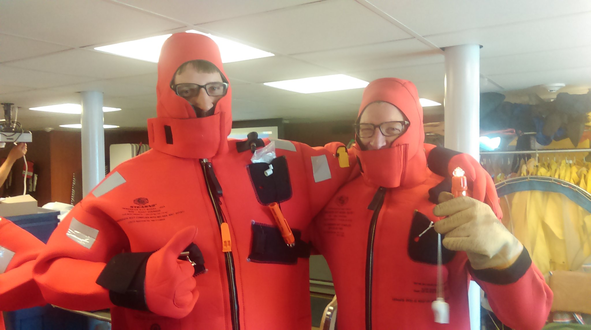 #GreatLakes scientists learn to don immersion suits (aka Gumby suits). #SafetyFirst  #PPE #SummerSurvey2016 https://t.co/gz79BHBxBX