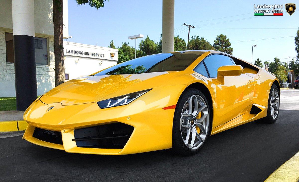 Lambo Newport Beach On Twitter This Rear Wheel Drive Lamborghini