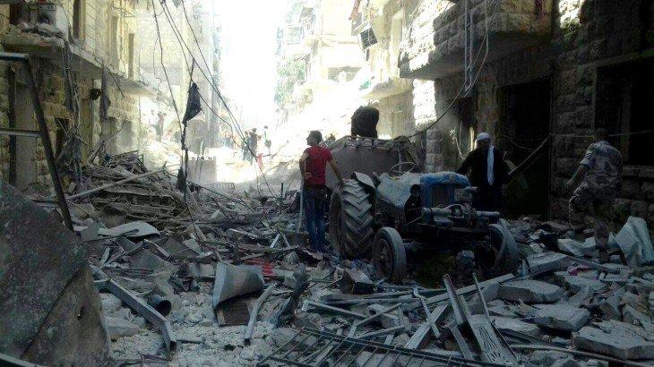 近年の都市型の紛争のなかで、最も壊滅的な状況となっている #シリア 北部のアレッポ。支援を必要としている人々のもとに駆け付けるためのアクセスを確保するよう、紛争の全当事者に訴えます  https://t.co/PJsH0hduoJ https://t.co/Y8b6Q689eL