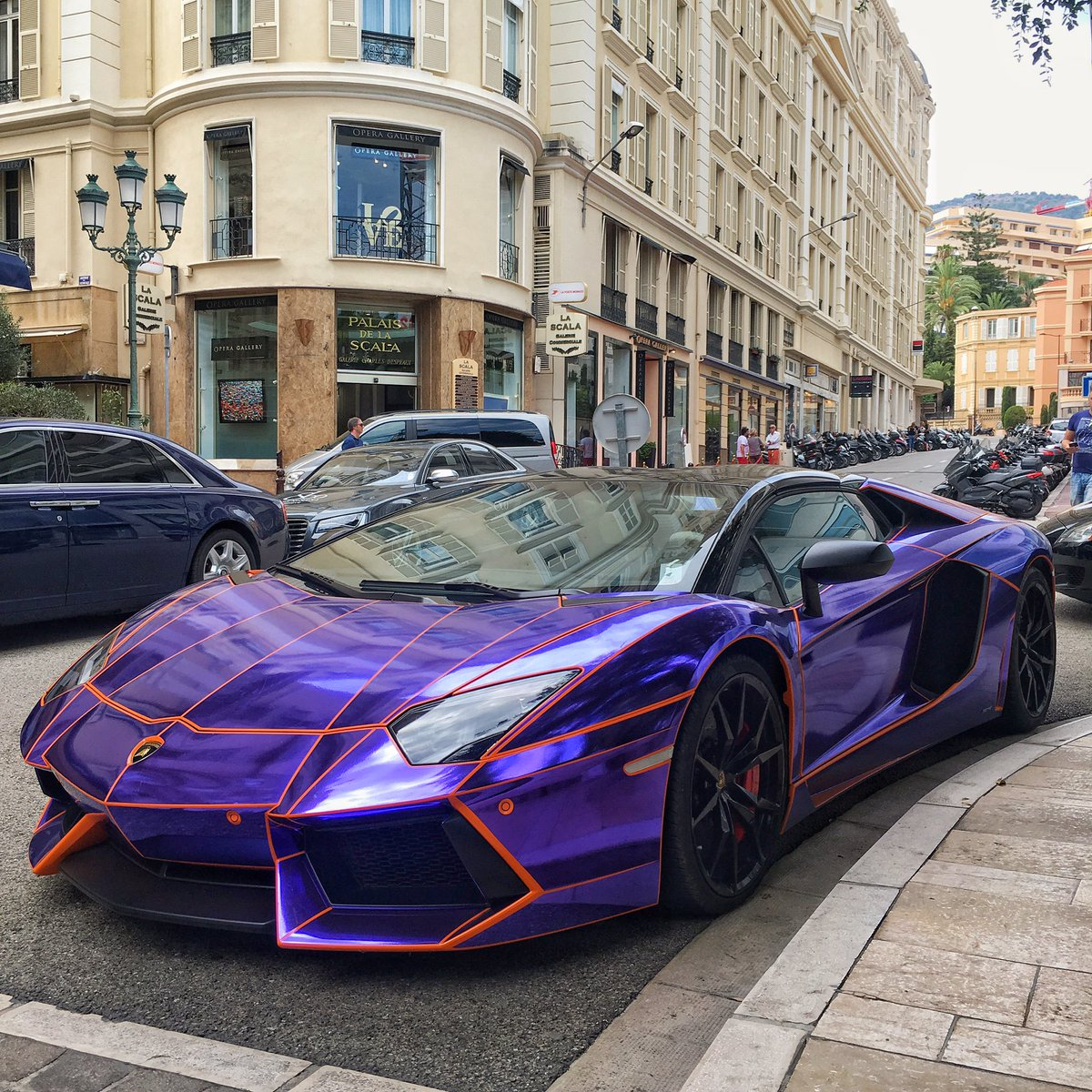 Paul Wallace On Twitter A Very Loud Lamborghini Aventador Roadster