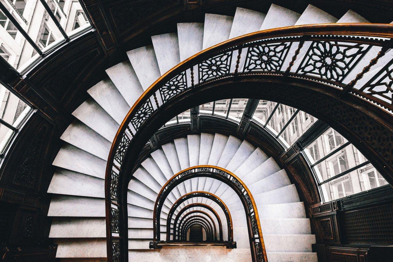 ruining historical landmark stairs - 850×567
