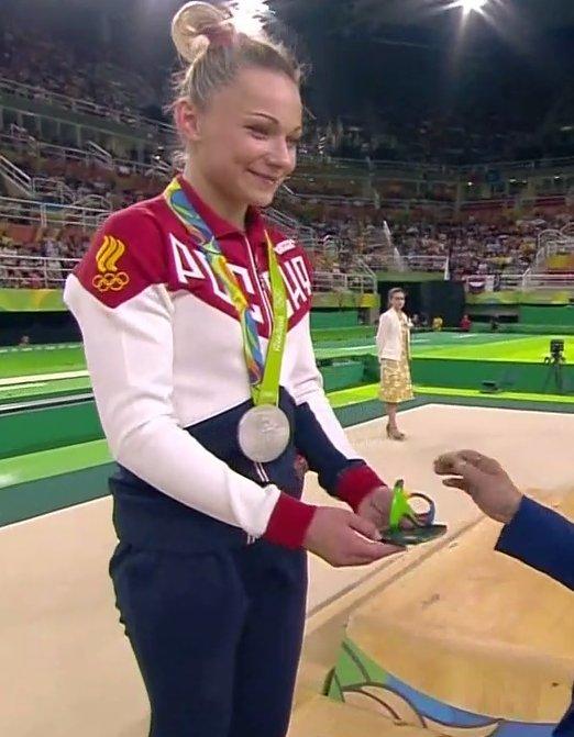 Олимпийские игры 2016 - Страница 37 Cp12X-MVIAAWBFa