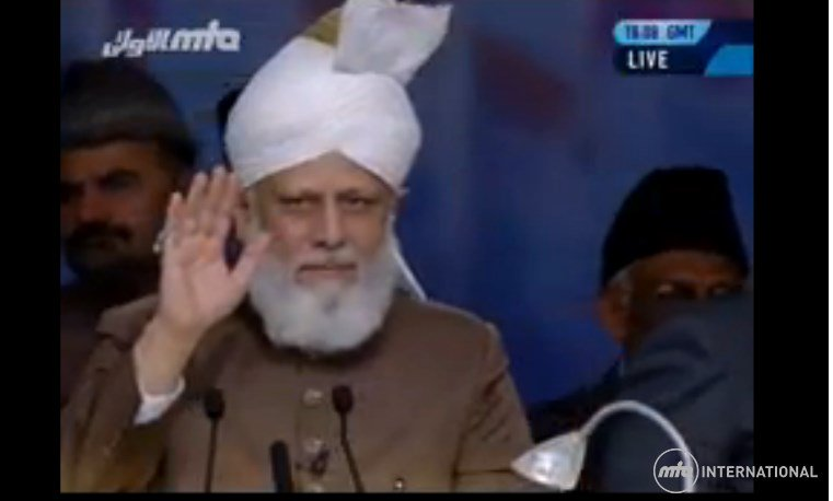 Only follow his guidance world can become peaceful place in the universe #JalsaUK https://t.co/FSLhuUdxI5