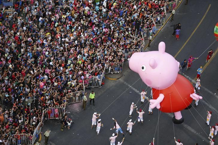 Kkr weighs bid for 39 peppa pig 39 owner entertainment one for Missile peppa pig