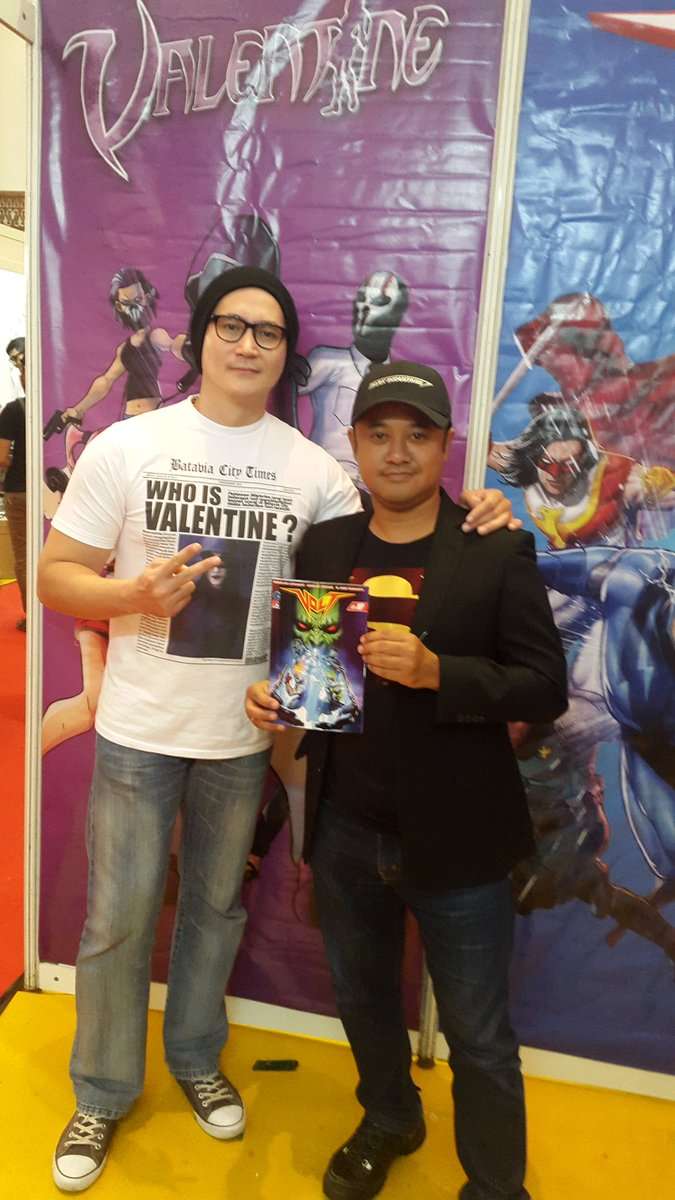 @PopconAsia 2016 with my #bestfriends & salah 1 sutradara terbaik Indonesia Rizal Mantovani #volt10 @SkylarComics