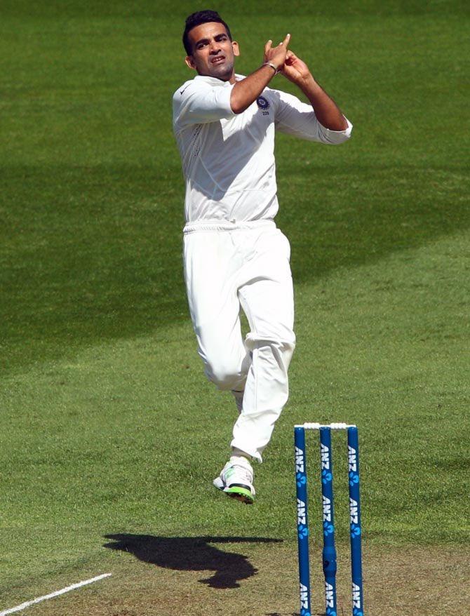 zaheer khan bowling action