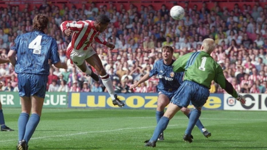 "Squawka Football on Twitter: ""ON THIS DAY: In 1992, Brian Deane scored the  first ever Premier League goal during Sheffield United vs. Man United.… """