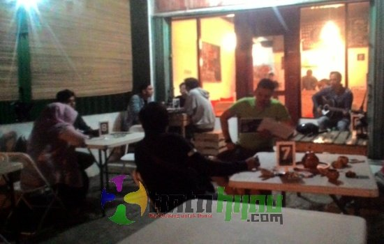 Ngopi sambil Akustikan di Pallet Coffee Bikin Suasana 'Megang Banget'