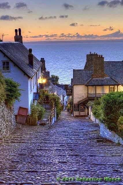 &quot;@AdelekeNorman: Clovelly, England ~ a Pathway To The Sea #travel #traveling #pics <br>http://pic.twitter.com/oM0QxAjdgD&quot;