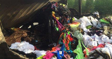 Família perde tudo após caminhão de mudança pegar fogo em #AracruzES @gazetaonlinepic.twitter.com/V0XfrN5pyb