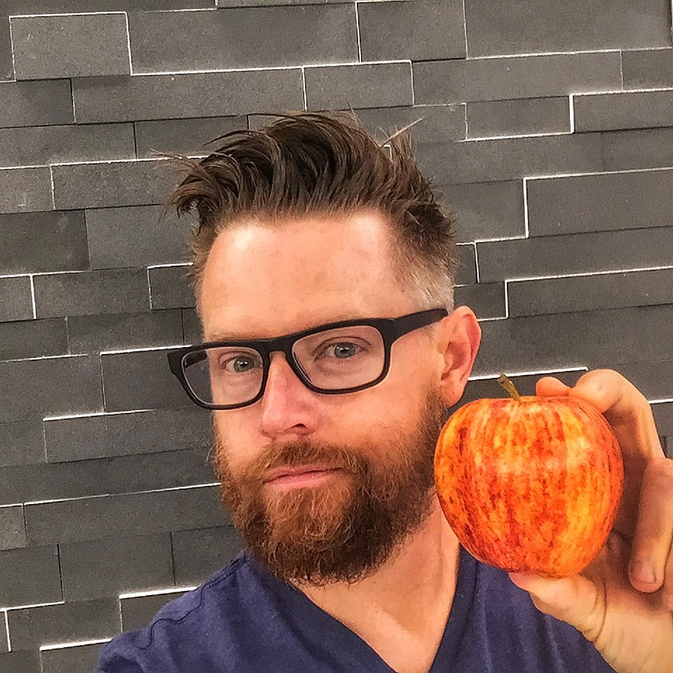Take a fruit or veggie selfie like this using #DrinkGoodDoGood & @nakedjuice will donate 10lbs of produce #sponsored https://t.co/q1zTGPbNHw