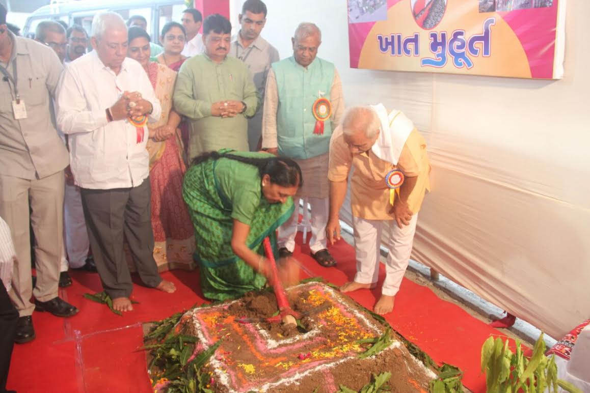 Anandiben attends probably her last set of public programmes as CM in South Gujarat