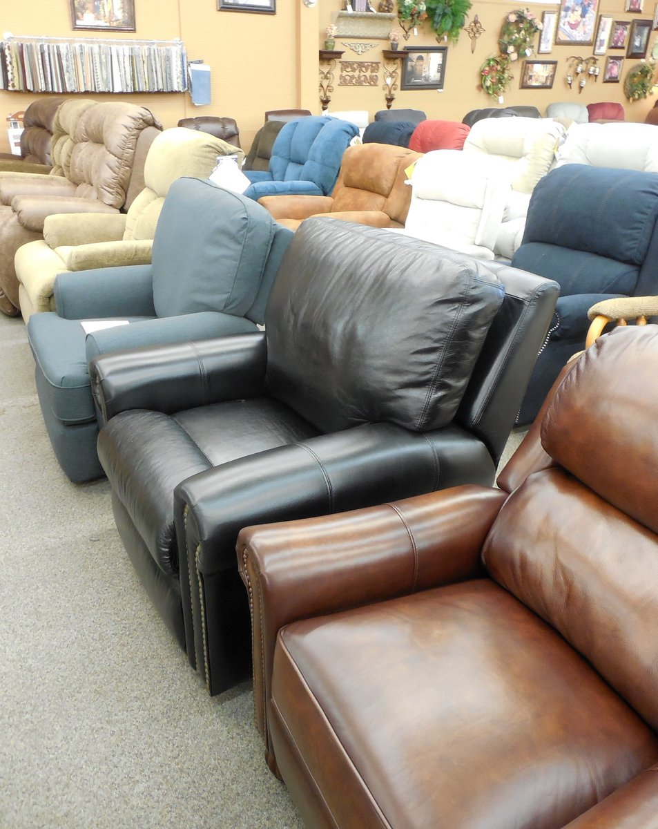 Recliner Blowout Sale! We Have A Huge Selection Of Recliners That Need To  Go Now! Johnsonu0027s Furniture And Mattresspic.twitter.com/Q61ASav8uz