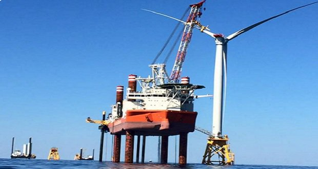 First offshore wind turbine installed in U.S. waters - is Long Island next? --> https://t.co/KXtckEM9v5 #windpower https://t.co/YIR1nDkqFv