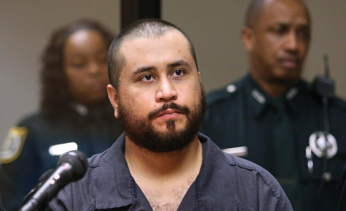 Florida man punches George Zimmerman in the face for bragging about killing Trayvon Martin https://t.co/IqcZ2S86Qa