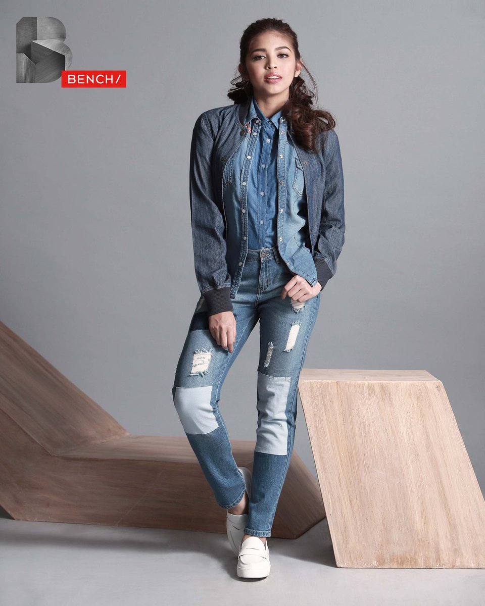 The ultimate in layered leisure with a denim shirt, jacket, and girlfriend jeans. @mainedcm wears #BenchEveryday https://t.co/BfyAwhzqHt