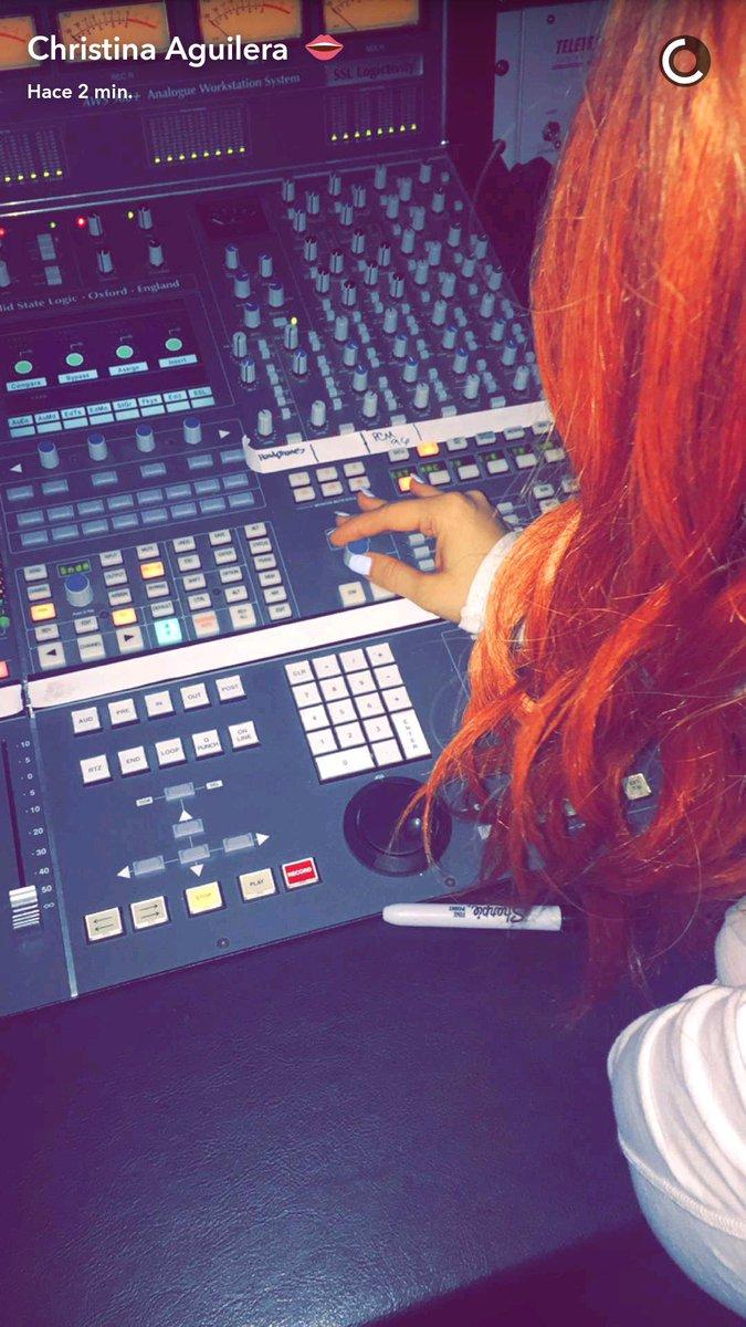 Christina en el Estudio de Grabación (Agosto) CpEvbZ_WAAEwqmO