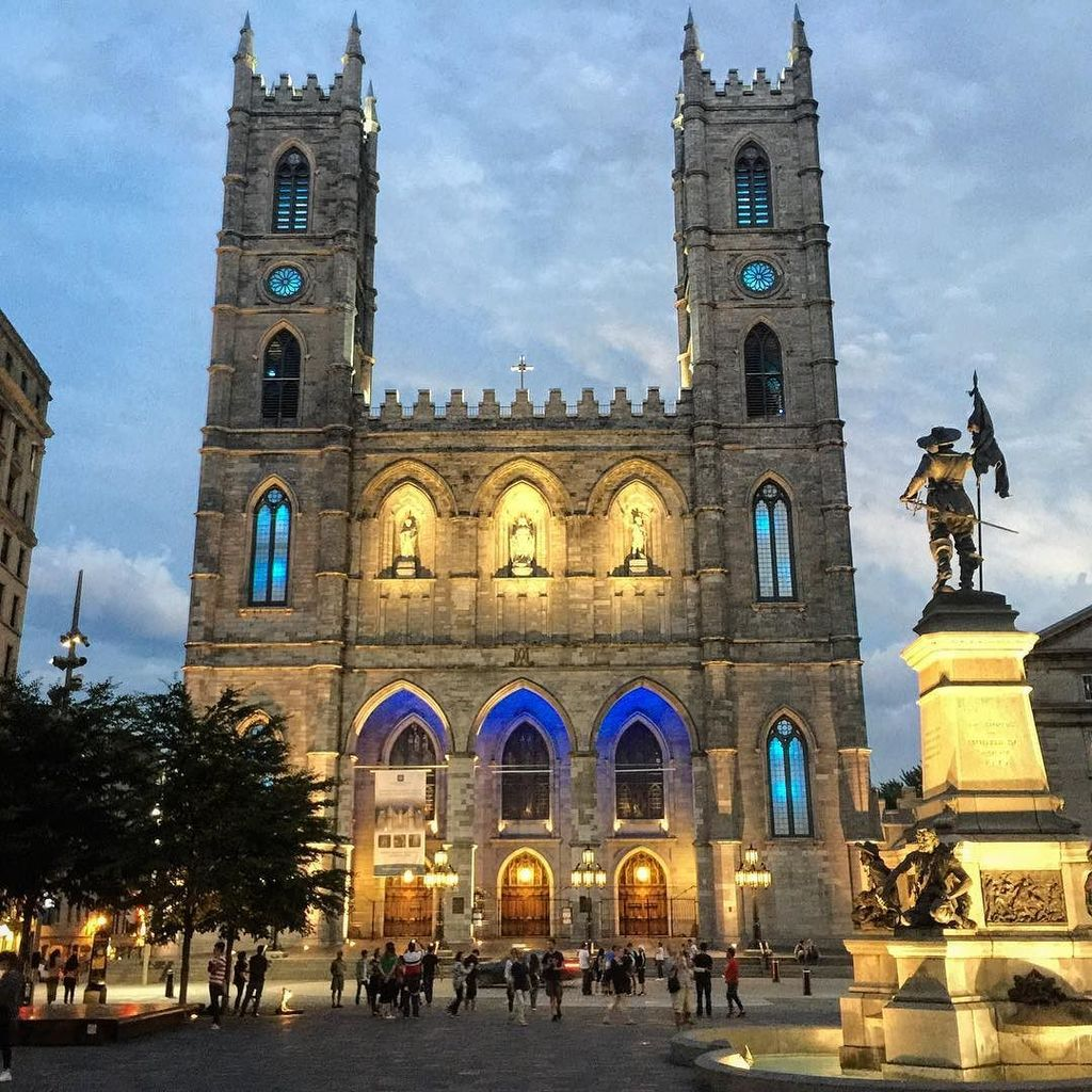 The Notre Dame Cathedral lit up in #Montreal on our #explorecanada road trip - the main bu… https://t.co/TJ6ubbnqm2 https://t.co/gD0LehL7uJ