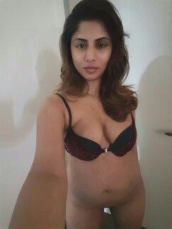 Nude Selfie 7658