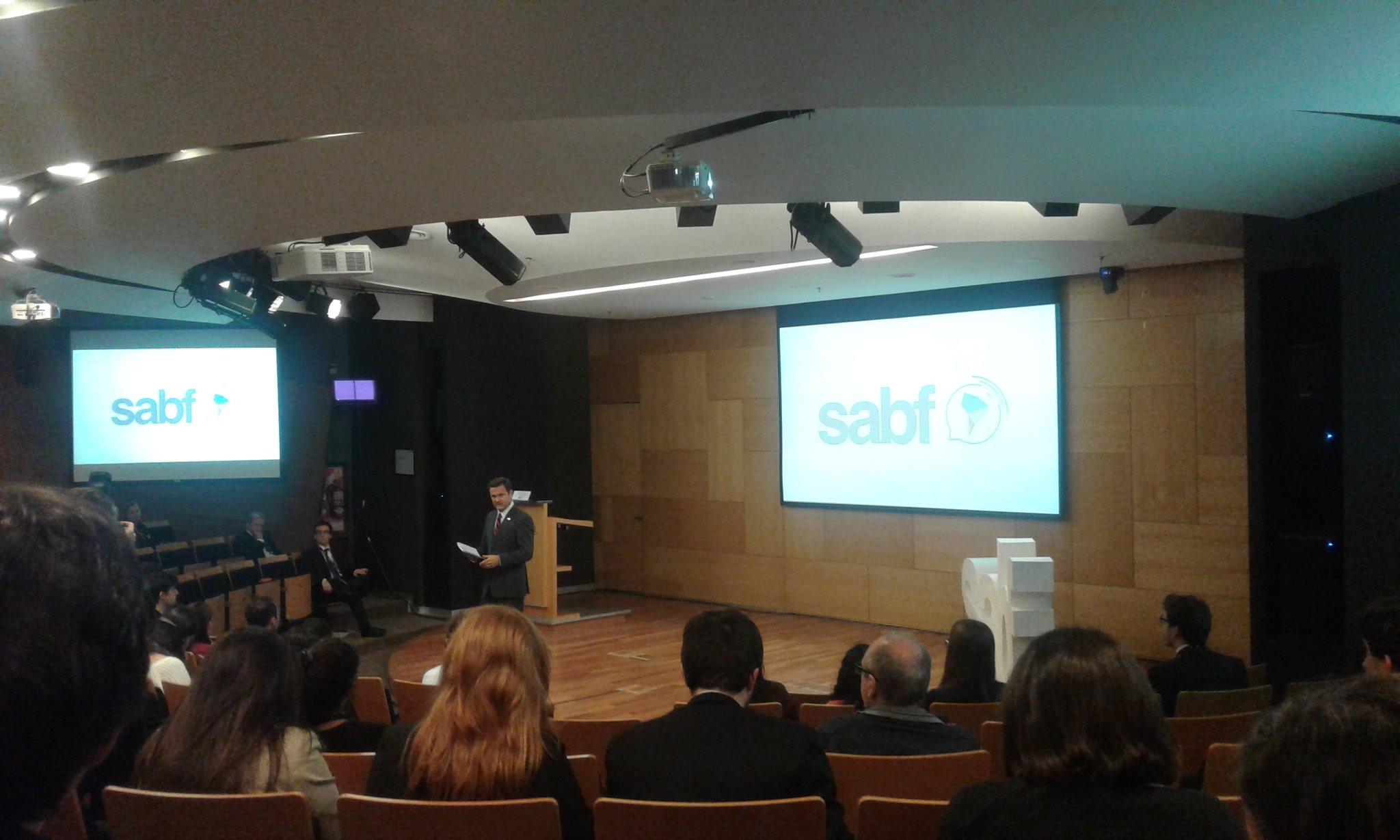 Terminando el día. Diego Luzuriaga hace una conclusión del primer día del #SABF2016. https://t.co/3NLLkf03Lu