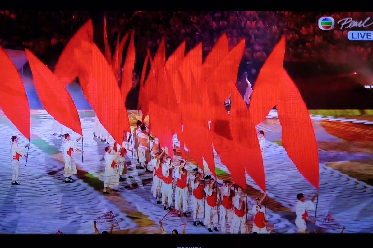 リオオリンピック開会式を見ながら、広島を想い黙祷。広島で記念式典が行われている時間に日系移民が出てくるリオの演出に感謝を。世界が平和でありますように。   #Rio2016 #リオ五輪 #Olympics #JPN #広島原爆の日 https://t.co/dj8wdRhb4Y