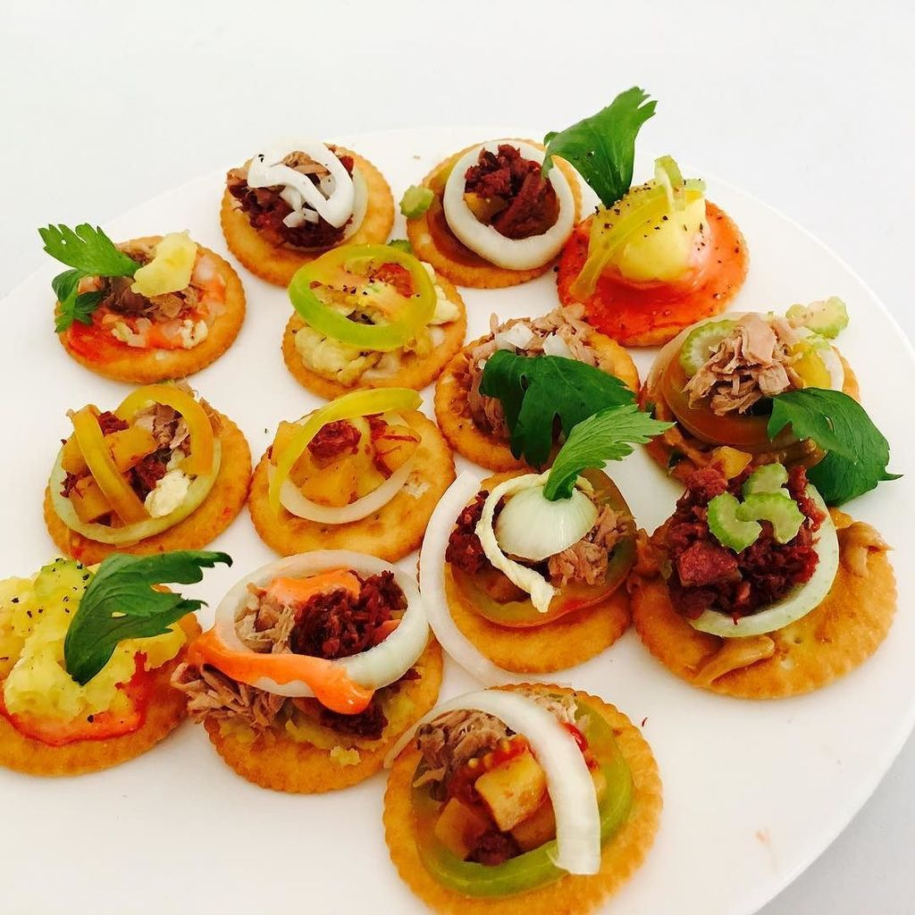 Ren e sanz on twitter students 39 output appetizer for Canape using fita