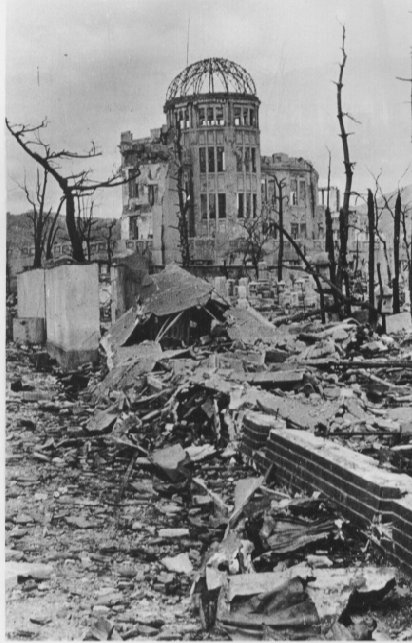 71 yrs ago this week: #Hiroshima #Nagasaki: 1st & only use of #nuclear weapons https://t.co/9f2L5BLqr8 #NeverAgain https://t.co/hQqNG6wItk