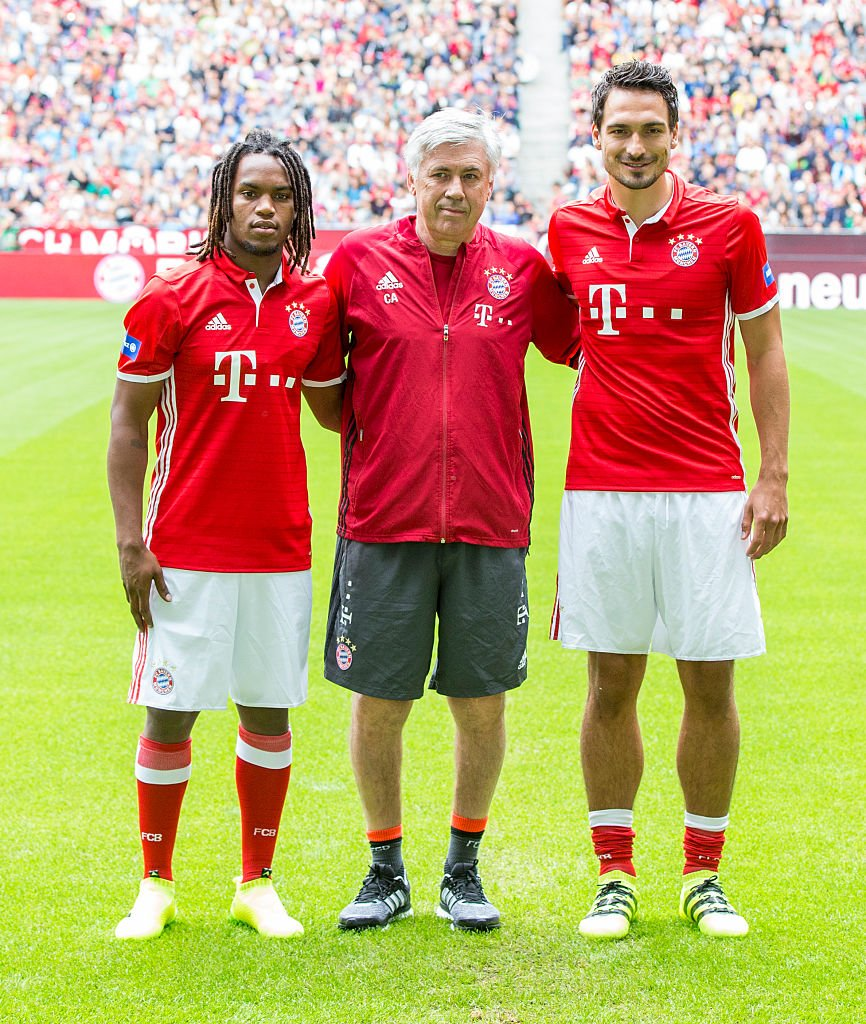 [35] [Mittelfeld] Renato #Sanches - Page 3 CpL8pnMWYAAGJor