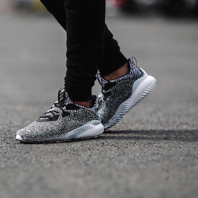 date de sortie c3273 44fdd SneakerMash on Twitter: