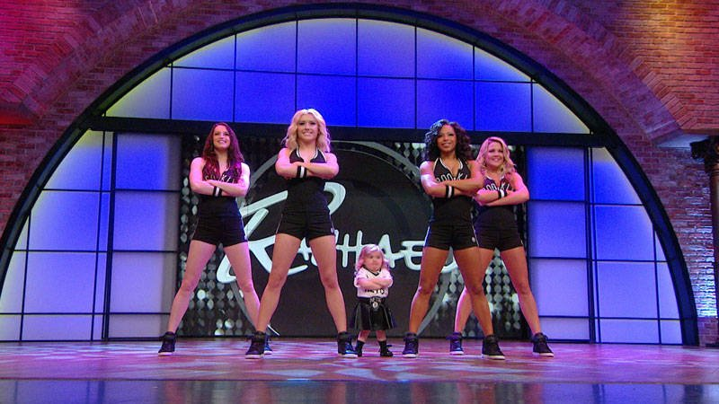 .@YouTube star and our adorable buddy Audrey dances with the @Brooklynettes. https://t.co/eROzAG1u8x https://t.co/rAyZMubuhf