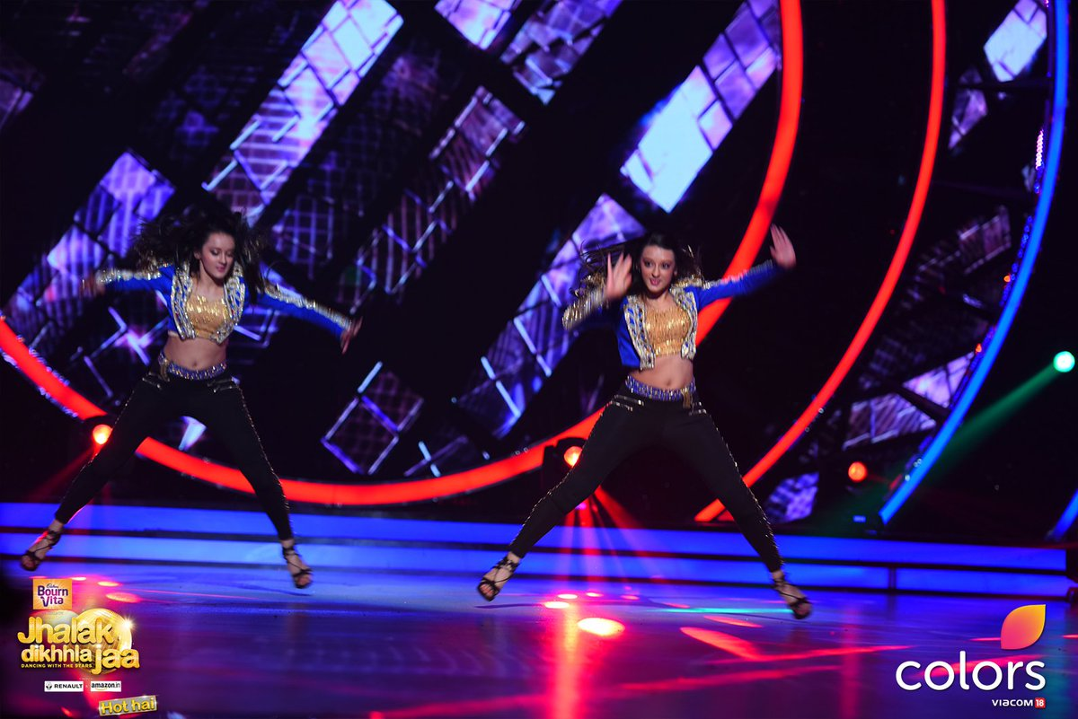 Poonam and Priyanka,twins,JDJ9,Jhalak,Jhalak Dikhla Jaa 9,Jhalak 9,pics,pictures,images,hd,photos,choreographer,dance,performance,Colors
