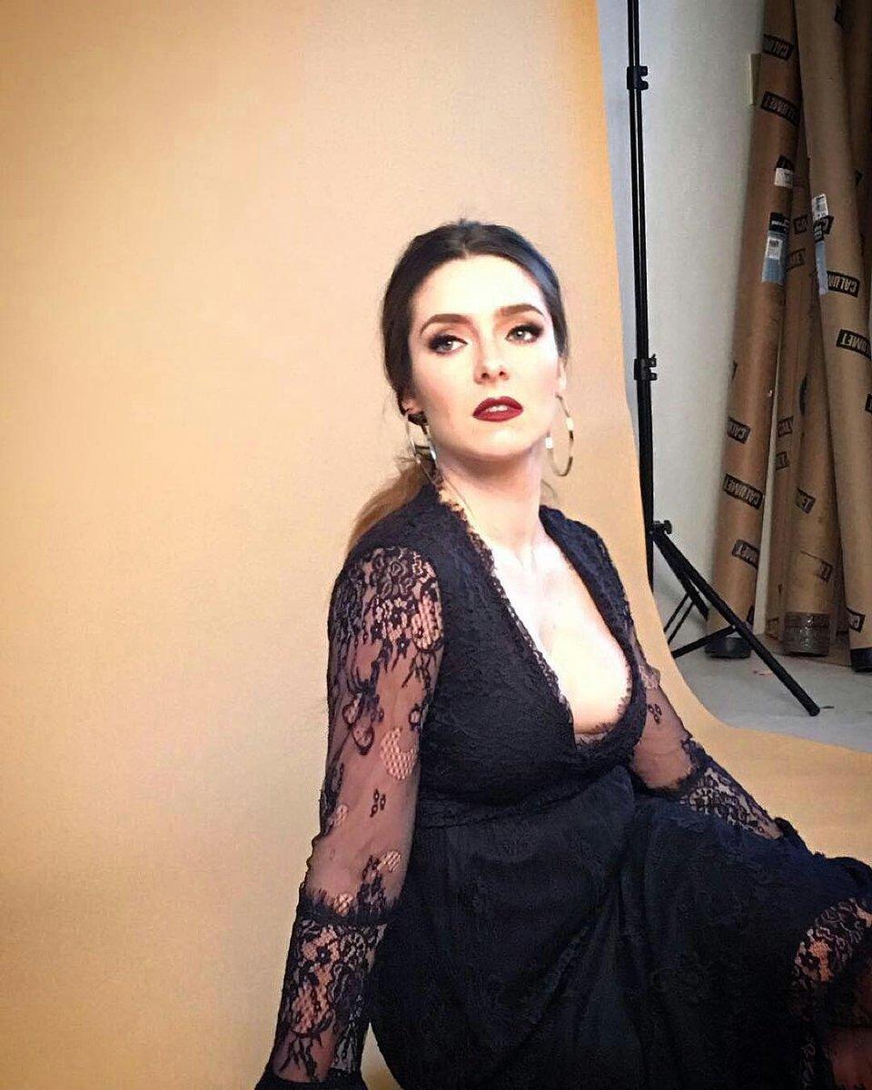 "Ariadne Diaz Pics ariadne diaz ecu�� fc on twitter: ""divina�� #shooting"