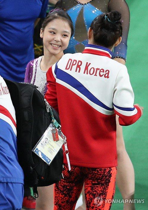 North Korea's Hong Un-jong and South Korea's Lee Eun-ju. I love the Olympics. https://t.co/10vvR23AQj