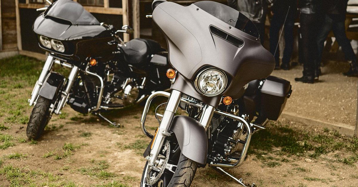 Street Glide Vs Road Glide >> Harley Davidson On Twitter Ride One Ride Both Feel The