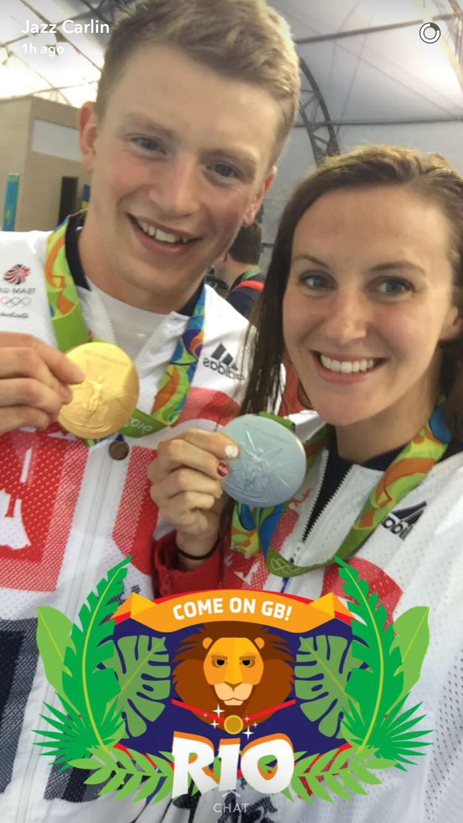 What an amazing snapchat photo @JazzCarlin @adam_peaty !!!! Olympic medalists!!! https://t.co/tH51CawPaD