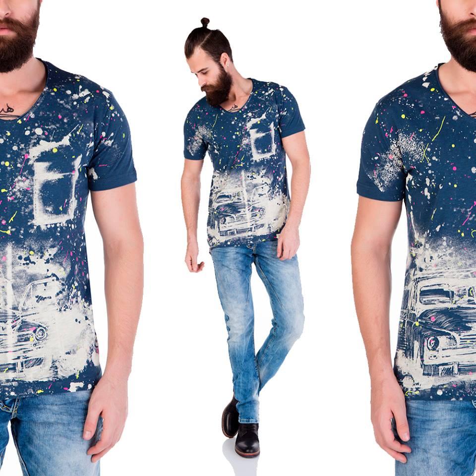 Como si estuviéramos en el espacio, así es nuestra camiseta #CipoandBaxx =) pic.twitter.com/MEftic2F2f