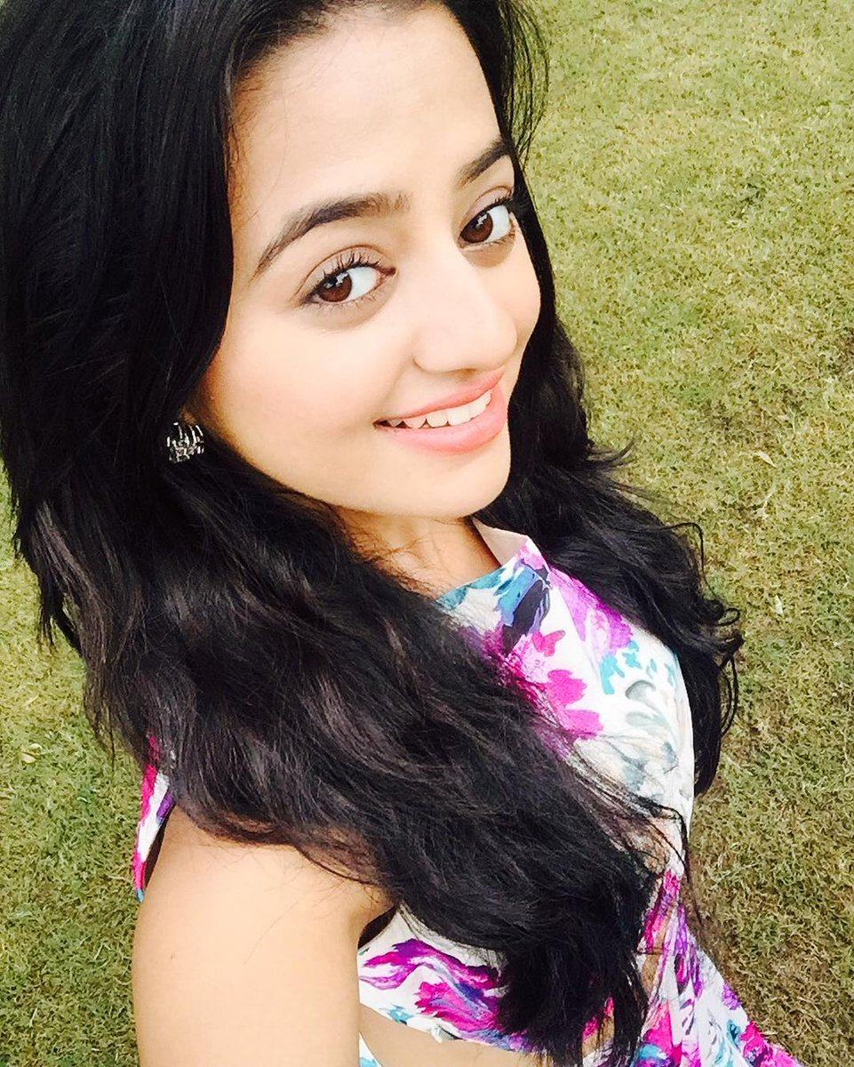Helly Shah 	2010